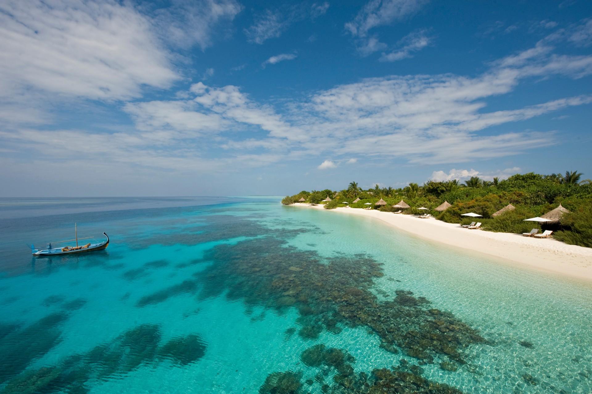 Four-Seasons-Lanaa-Giraavaru-Maldives-villas