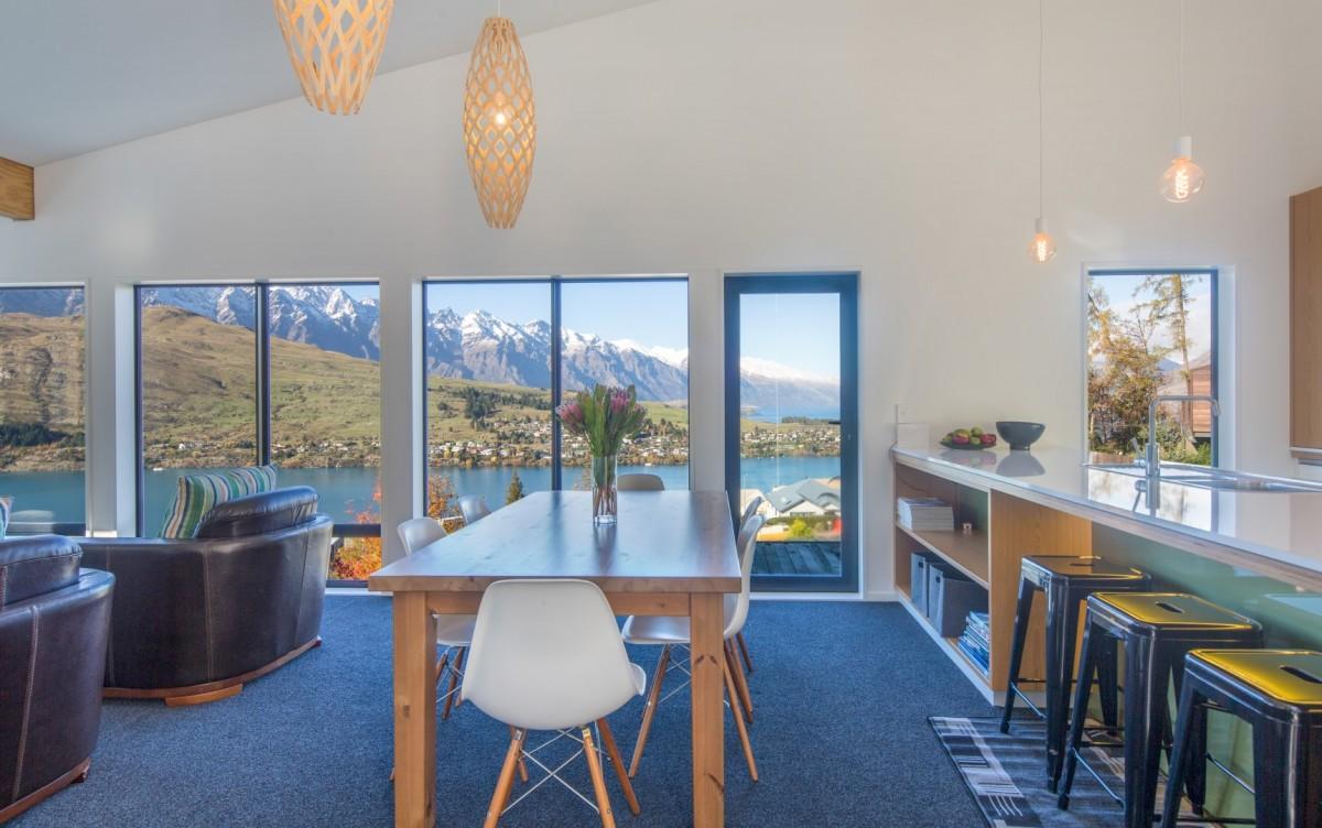 Remarkable Views - villa Remarkable Views New Zealand   Isle Blue