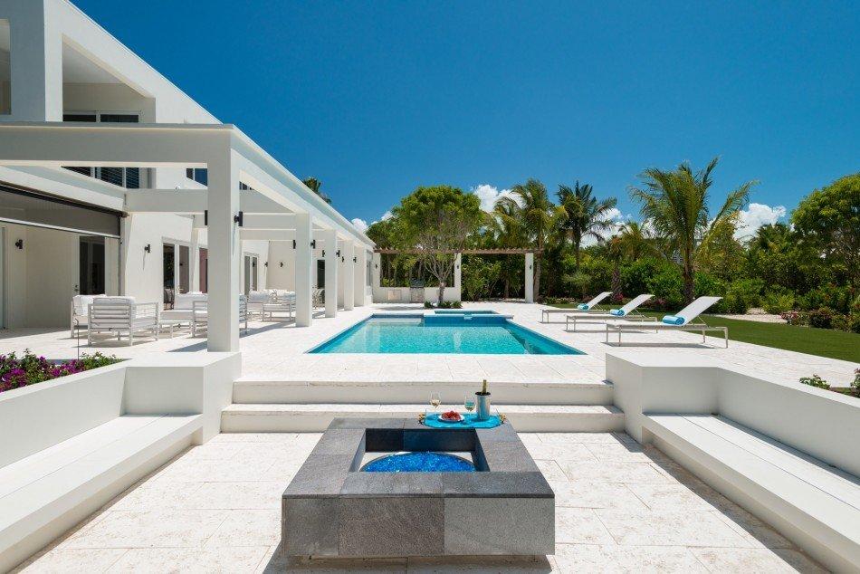Turks & Caicos Villas - Turquoise - TCI - Grace Bay - Caribbean | Luxury Vacation Rentals